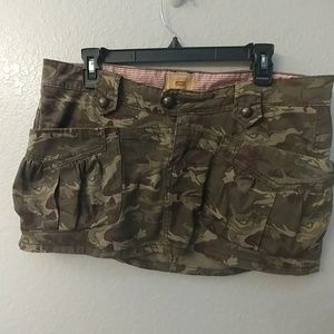 Camoflage Levi's mini skirt